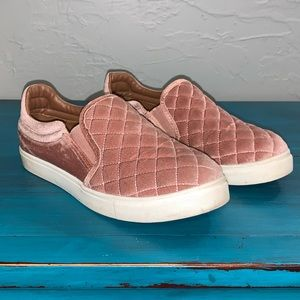 Steve Madden Elorra Pink Velour Quilted Shoes
